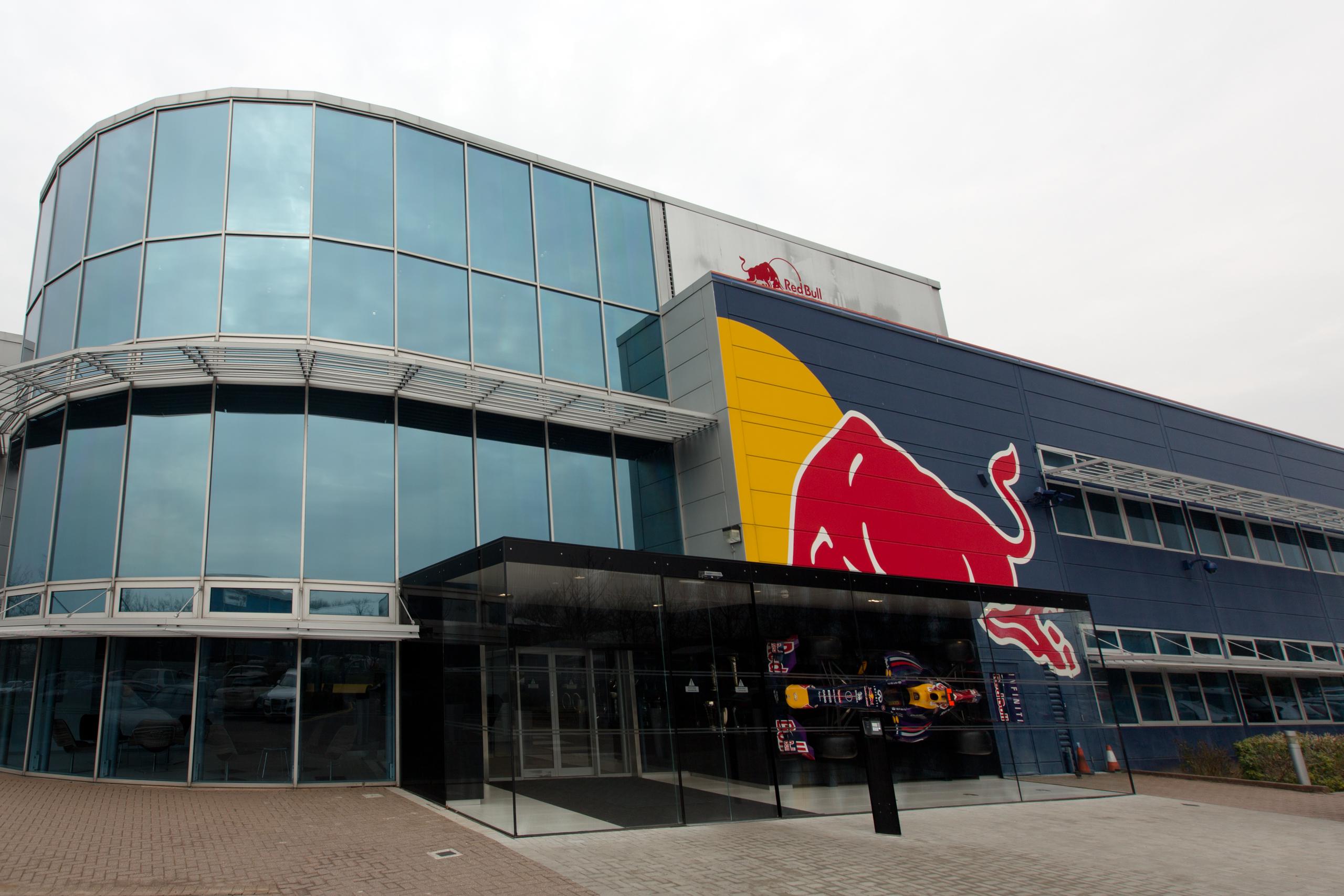 Red Bull Racing Experience – 1-daagse vliegreis – Uniek kijkje achter de schermen Red Bull Racing