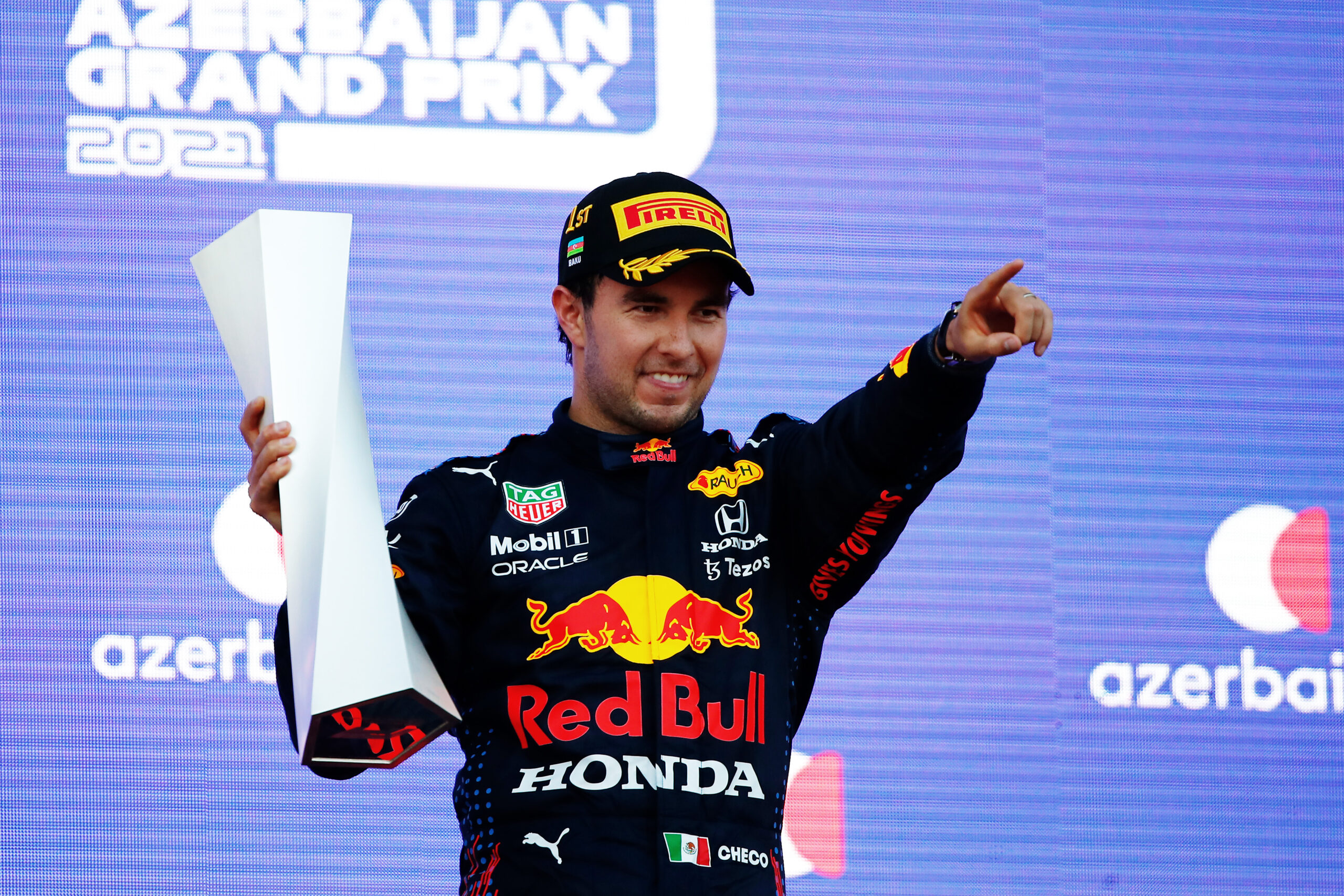 Azerbeidzjaanse GP Feiten & Statistieken: Perez laat Red Bull Racing alsnog juichen na bandendrama Max!